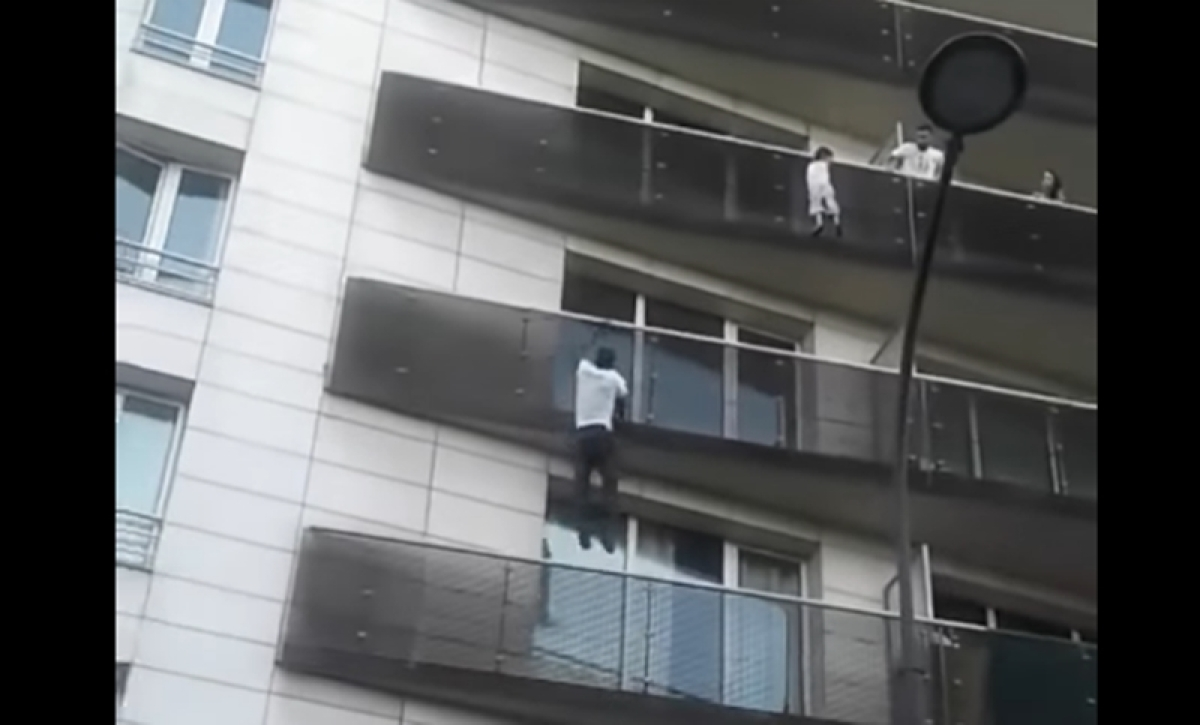 Watch: Real-life 'Spiderman' scales building to save toddler's life