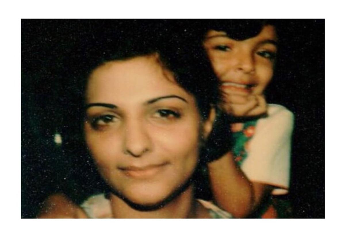 Sunaina Roshan unveils the first chapter of her blog, Zindagi