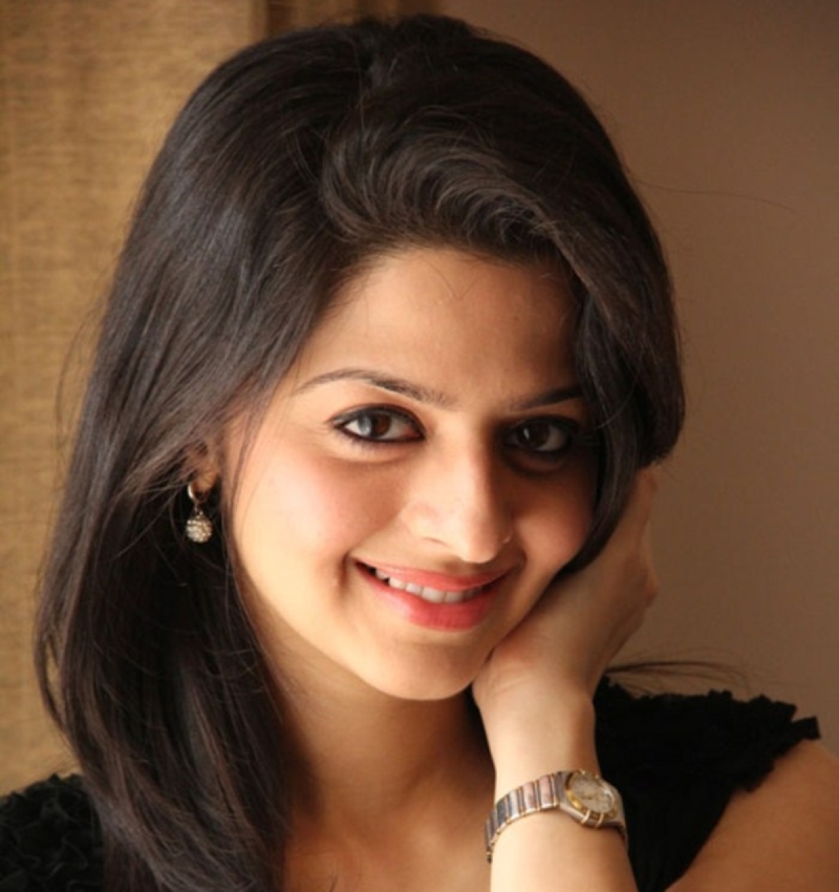 Vedhika Kumar to debut with Emraan Hashmi's film 'The Body'