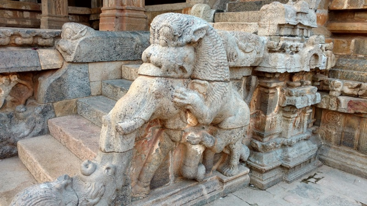 The Mythical Yalis guard the steps into the Mandapa