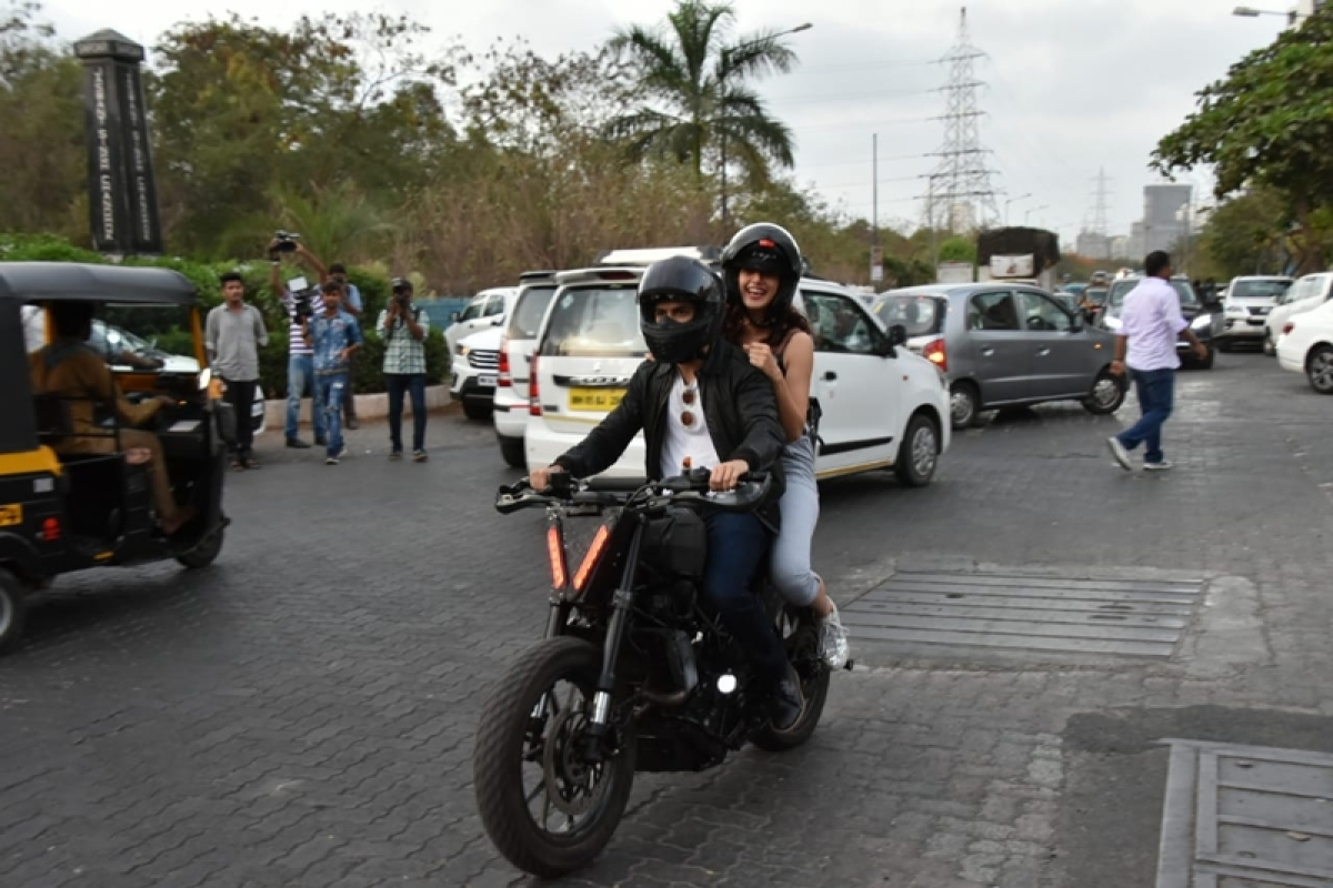 Bhavesh Joshi Superhero takes Taapsee Pannu on a bike ride; see pics