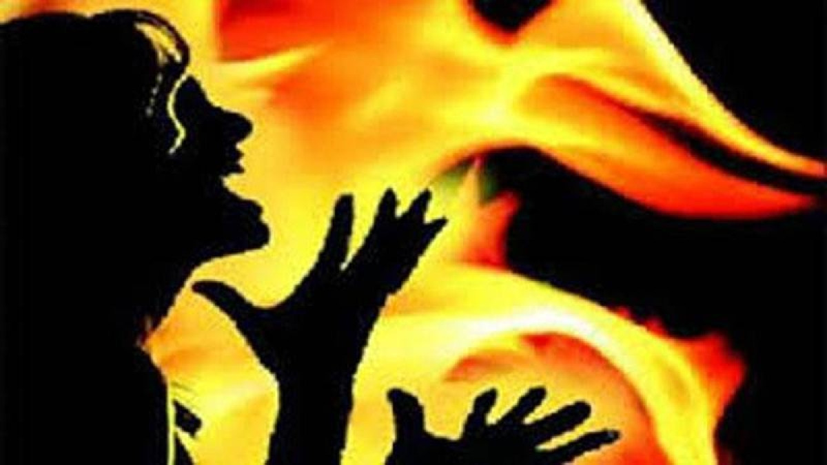 UP: 2 men set 26-year-old woman ablaze to stop her from filing FIR against molestation
