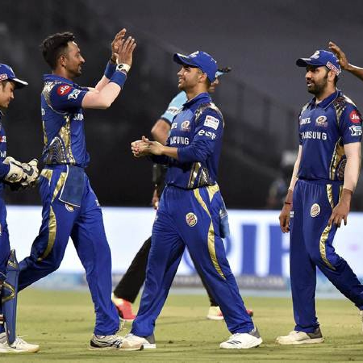 Mumbai Indians retain core team, release 12 players