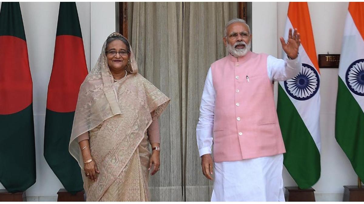 Modi meets Hasina in Bengal