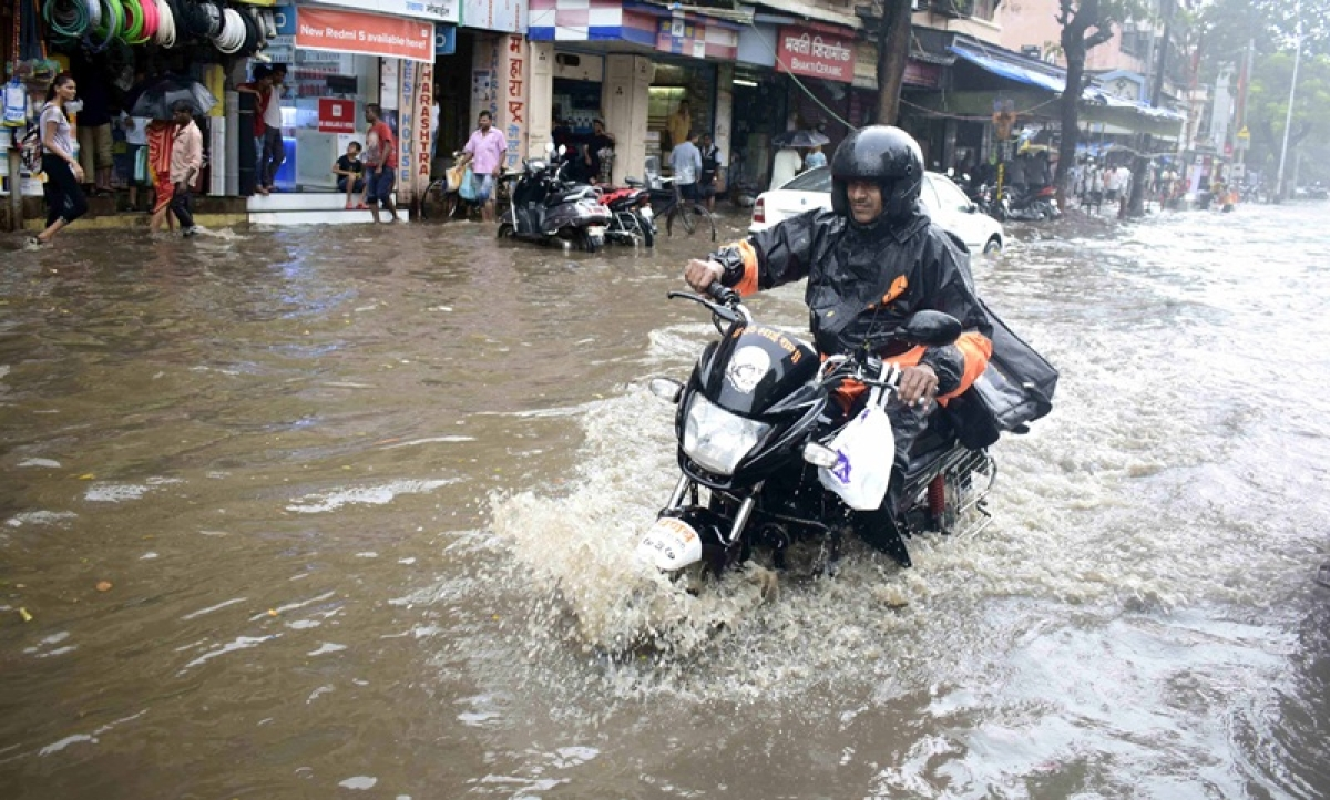 Stuck in Mumbai Rains? Make sure you know these city road routes thoroughly