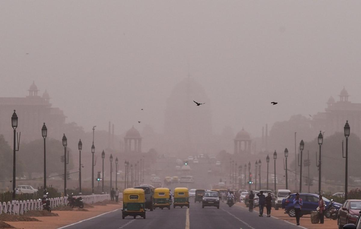 Stay indoors, wear masks in dusty Delhi: Doctors