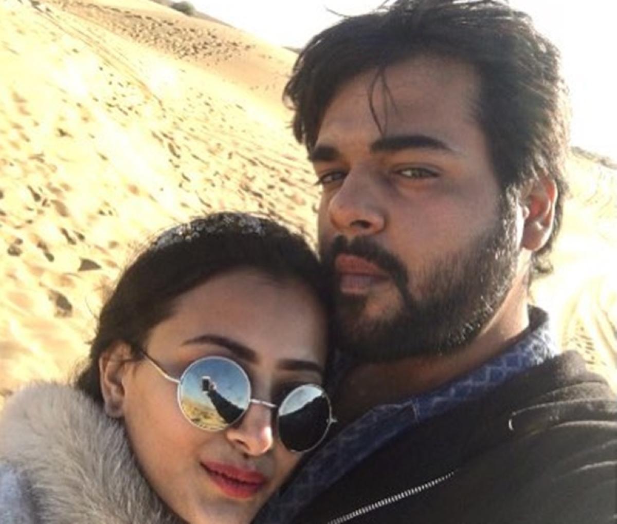 Television actress Shweta Basu Prasad engaged to long-time boyfriend filmmaker Rohit Mittal