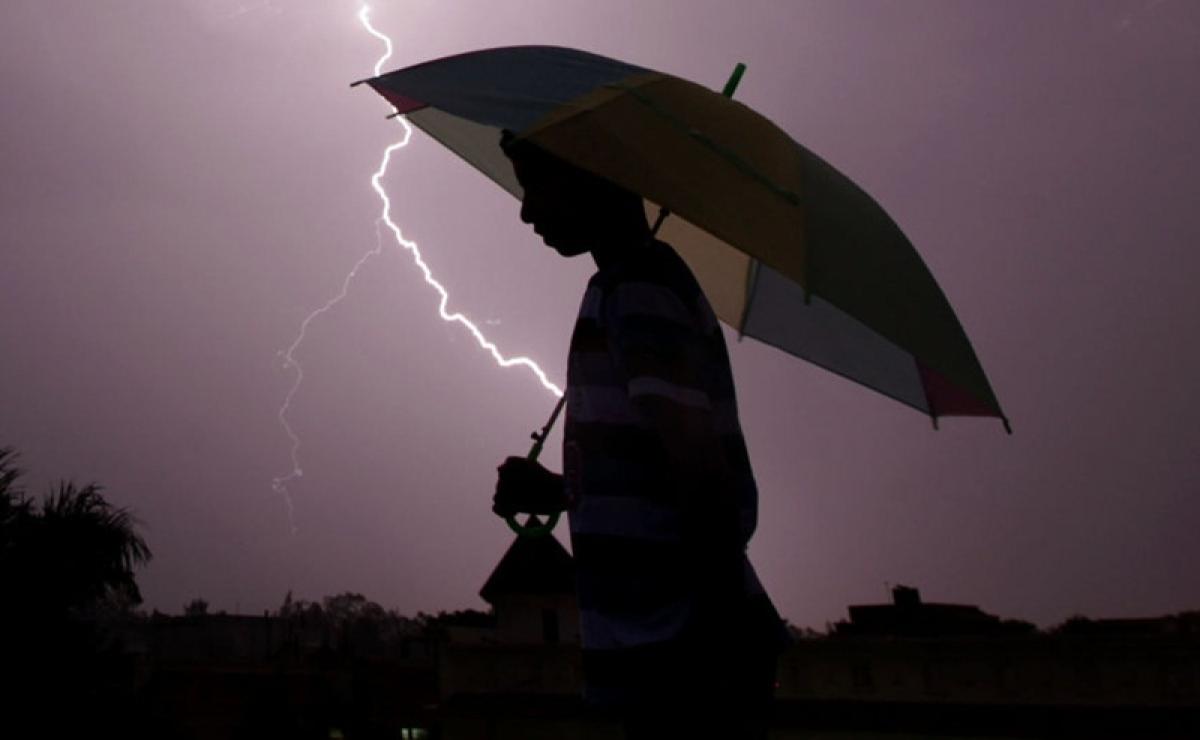 Jharkhand: Five killed, 1 injured after lightning struck a house