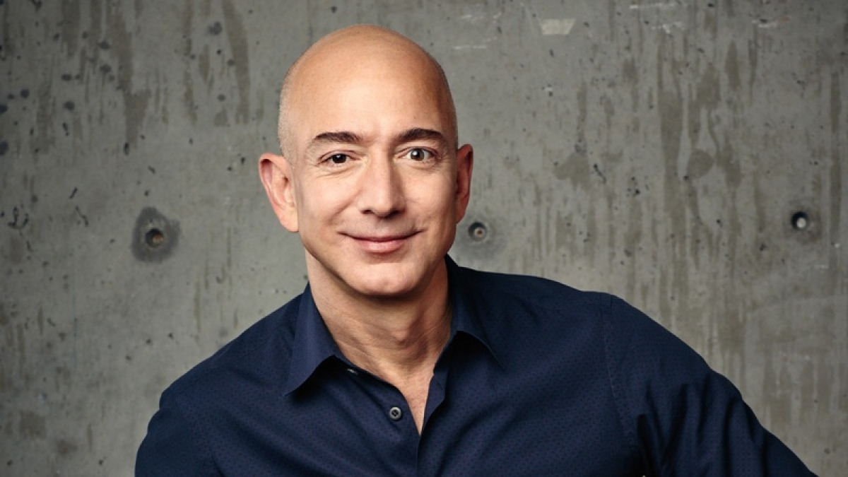After a brief number 2 slip, Bezos regains title of world's richest man
