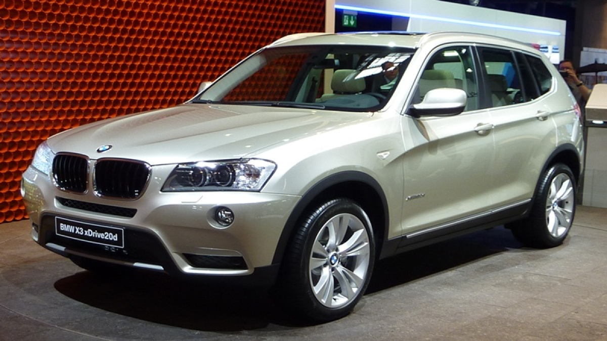 BMW to recall360,000 cars in China over defective airbags