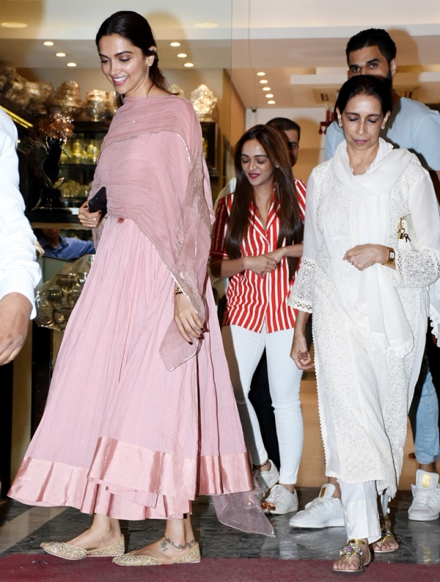 Wedding Shopping? Deepika Padukone spotted exiting a jewellery store with her mother