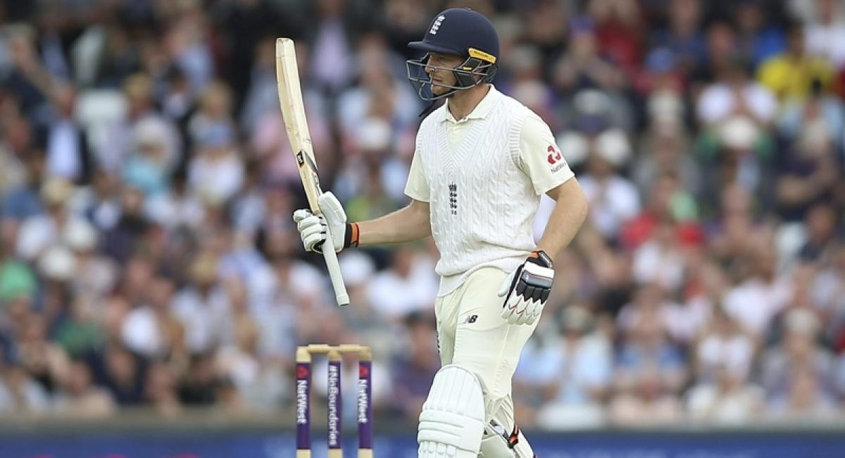 Sam Curran, Jos Buttler save England against Sri Lankan spinners