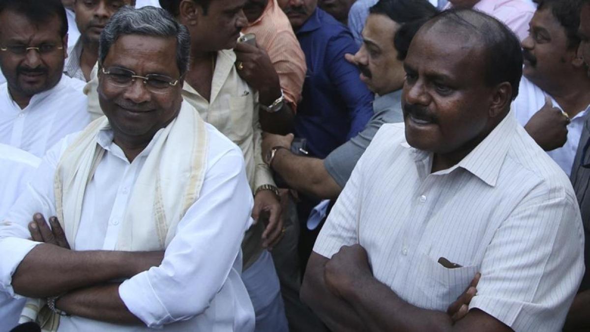 Siddaramaiah, Kumaraswamy engage in verbal tussle ahead of bypolls