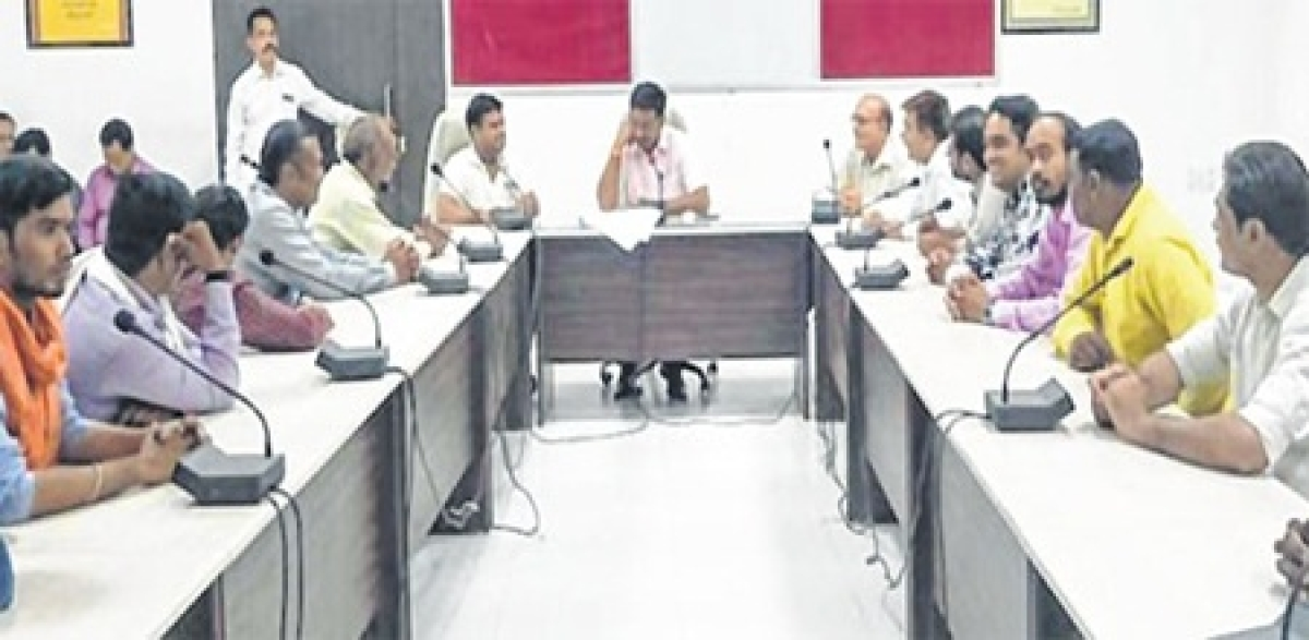 Ujjain: Maintain holiness of city, say office-bearers of 'Swarnim Bharat Manch' to collector