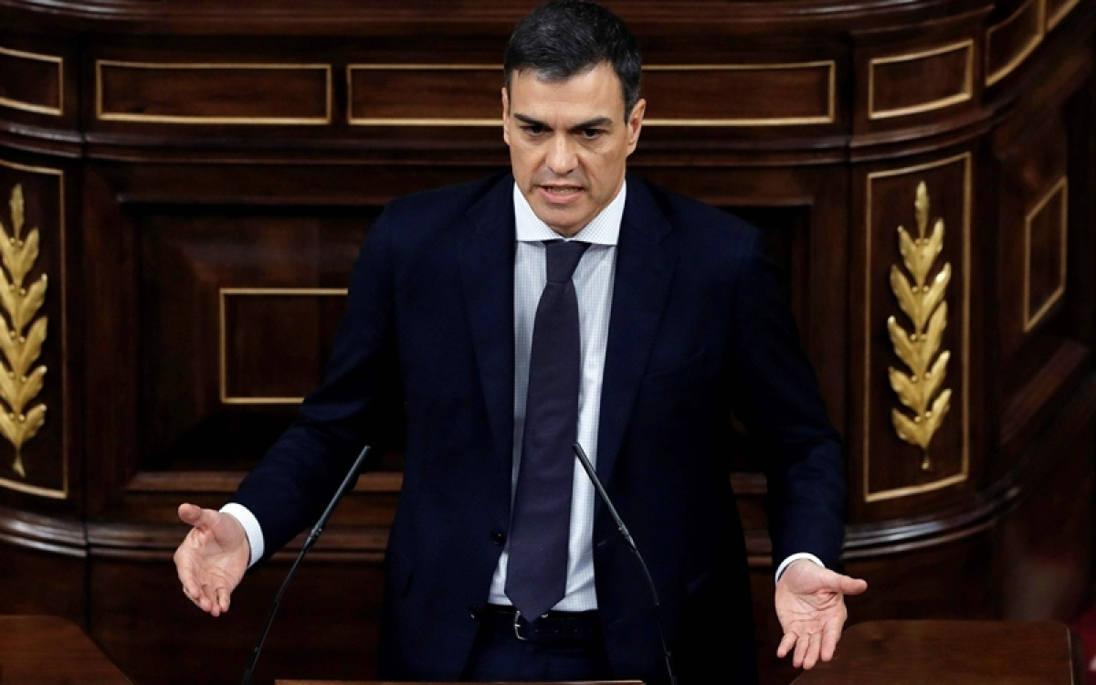 Socialist Pedro Sanchez sworn in as new Spanish prime minister
