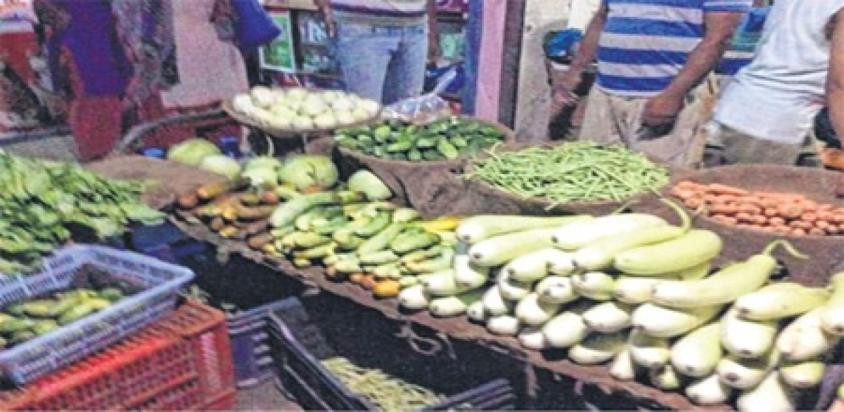 Bhopal: Prices of fruits, vegetables spiral ahead of farmer's stir