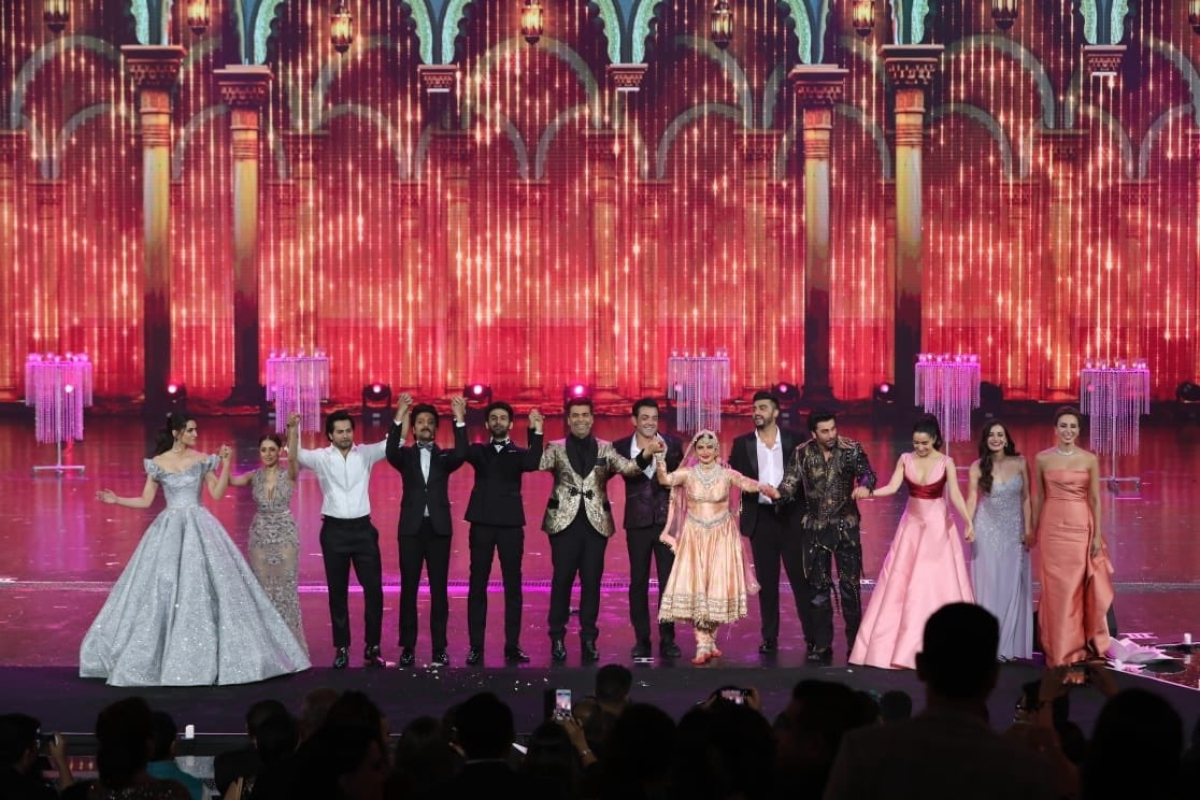 IIFA Awards 2018: After 20 years off stage, Rekha takes fans down memory lane with breathtaking performance