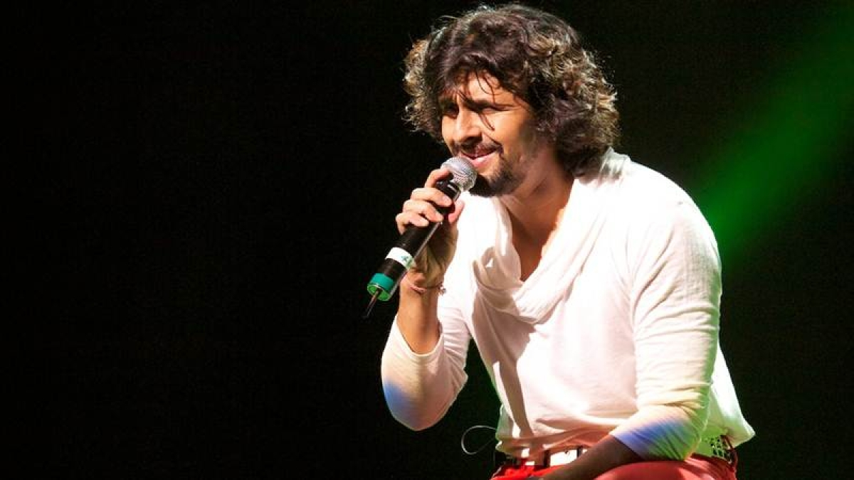 'Hall of fame' is my best English single, says Sonu Nigam