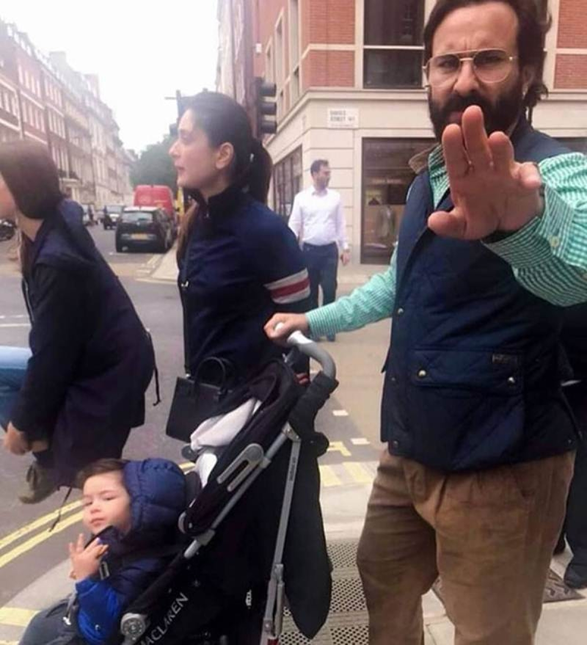 Find out why Taimur's father Saif Ali Khan gets furious at paparazzi