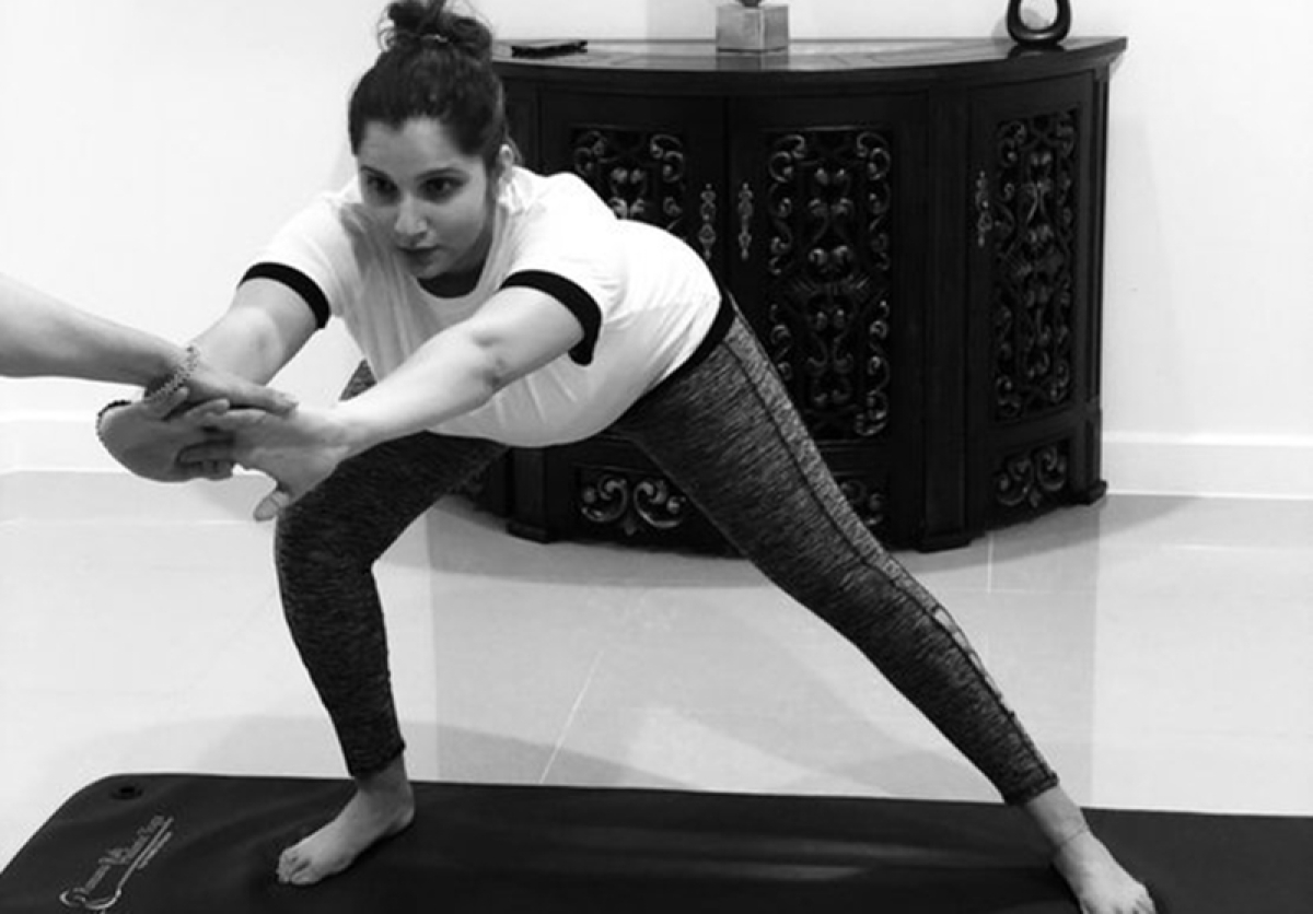 International Yoga Day 2018: Soon to-be mommy Sania Mirza perform prenatal yoga, see pic