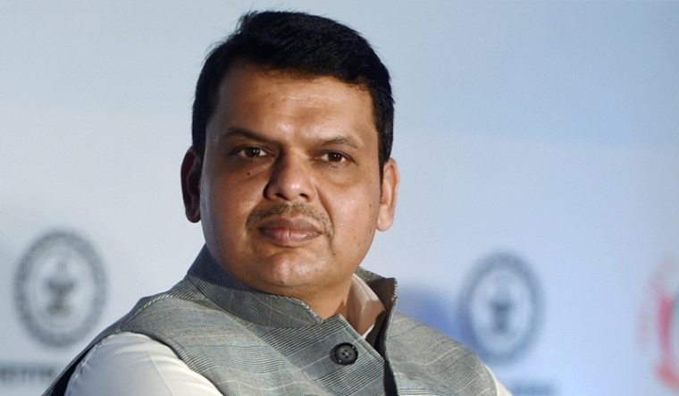 SC issues notice to Maharashtra CM Devendra Fadnavis on plea against non-disclosure of criminal cases