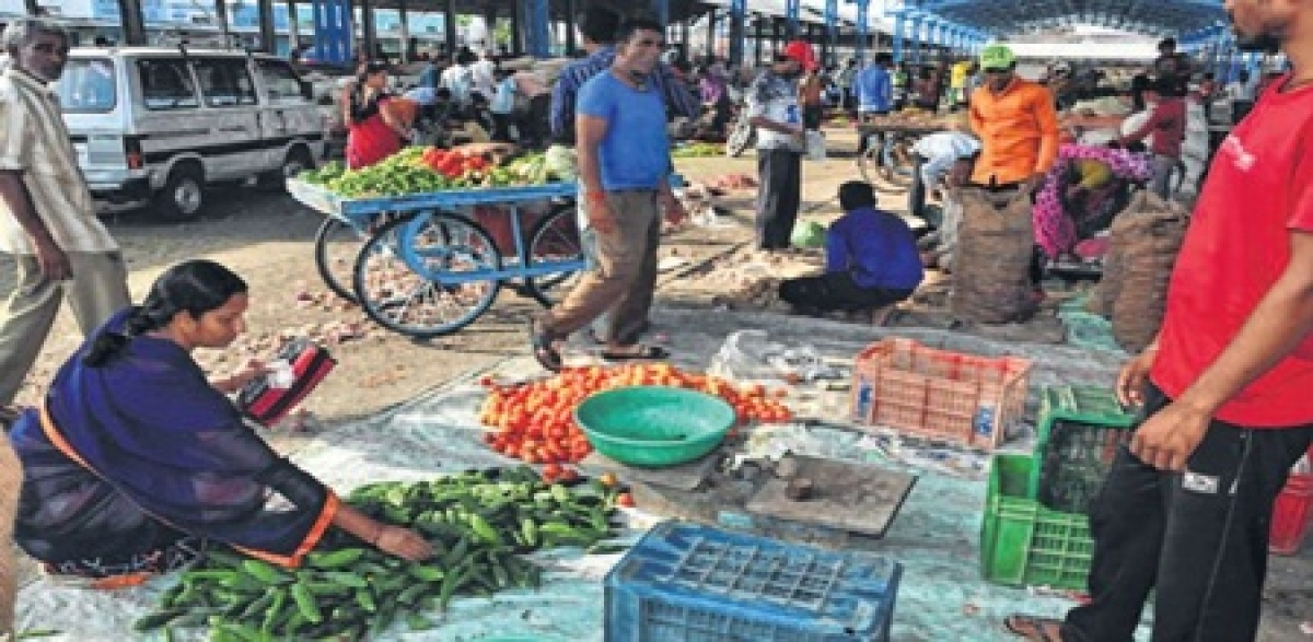 Ujjain: Farmers given full protection, supply of essentials unaffected