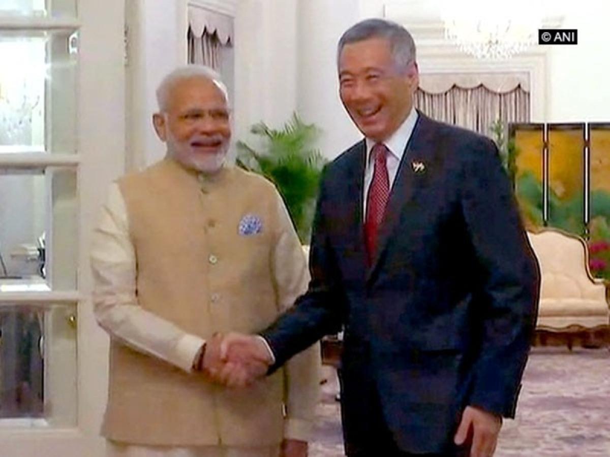 Singapore: Talks between PM Narendra Modi and Lee Hsien Loong begins