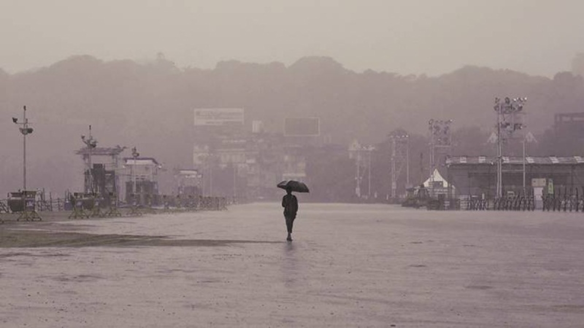 Mumbai Rains Latest Updates: Little showers occur in Colaba in the morning