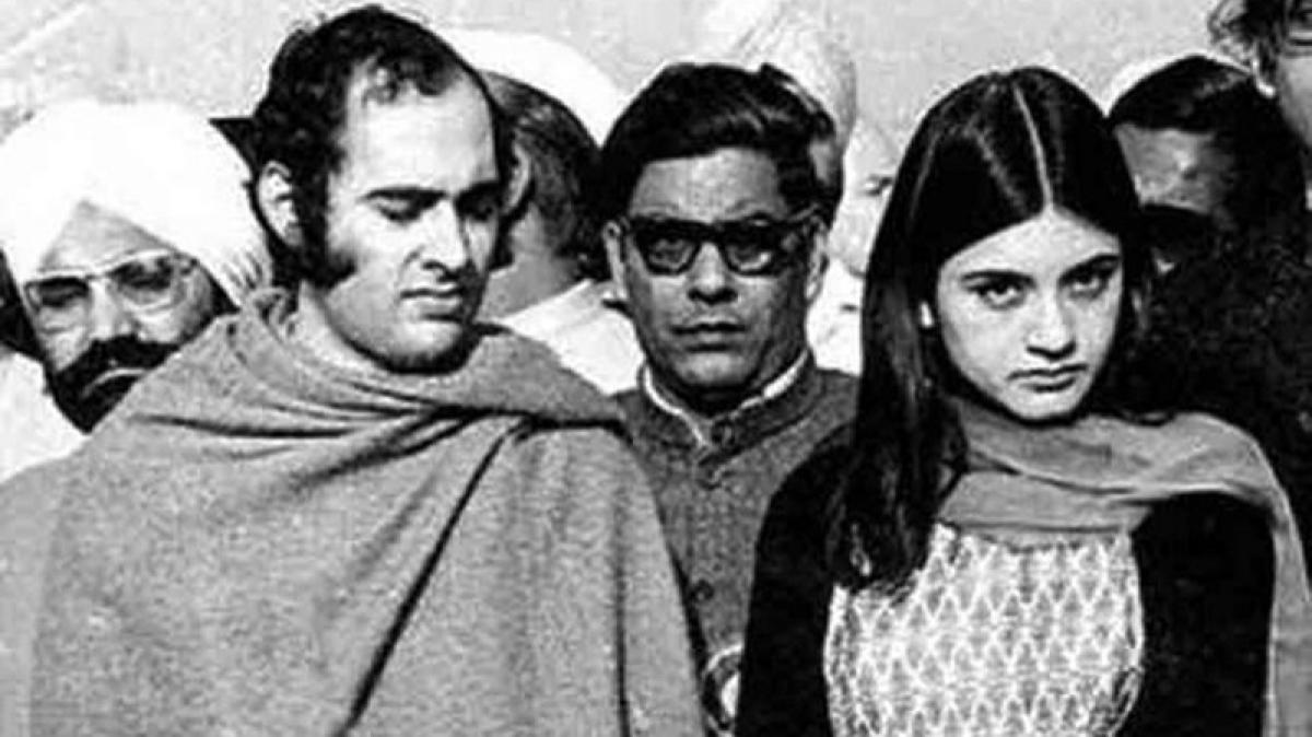 Maneka and Indira Gandhi had a premonition of Sanjay Gandhi's death, reveals Maneka in an old interview