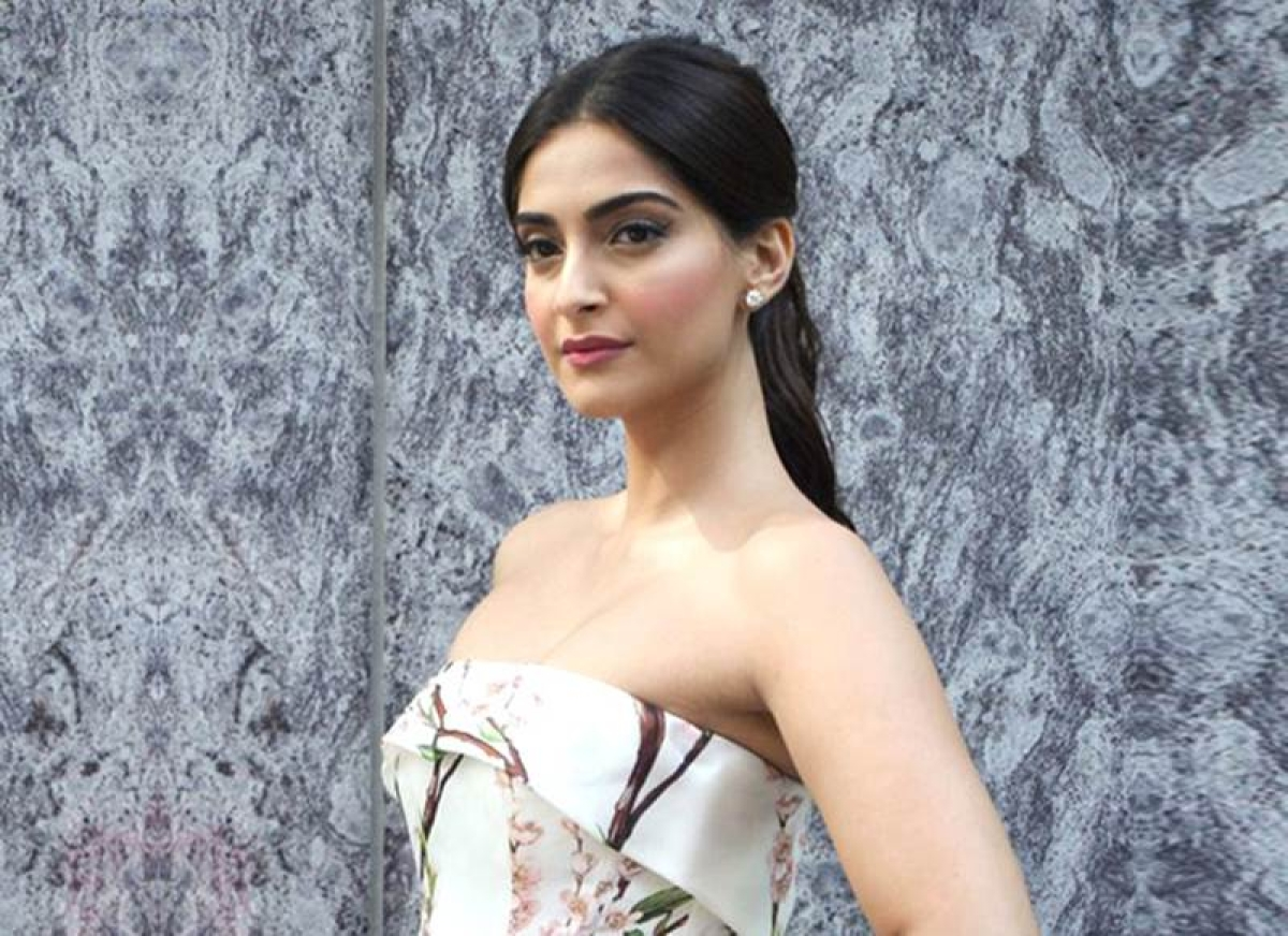 "Sanju: ""I was very keen to do a Rajkumar Hirani film"", says Sonam Kapoor"