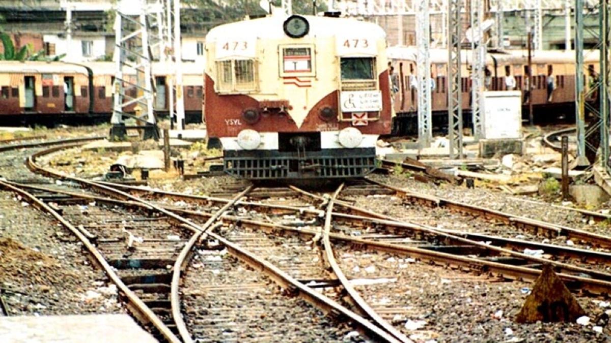 Mumbai: Skeletal remains found on Malad station tracks