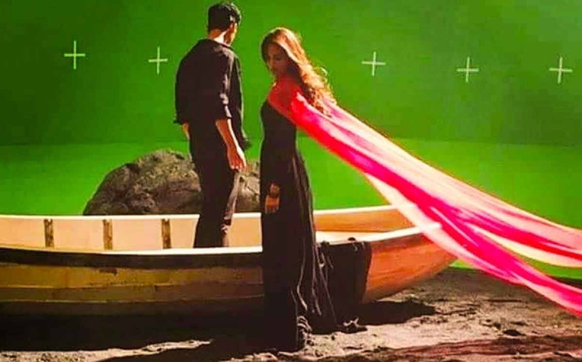 See Pics: Erica Fernandes shoots for promo of 'Kasautii Zindagii Kay 2', she does remind us of original 'Prerna' Shweta Tiwari