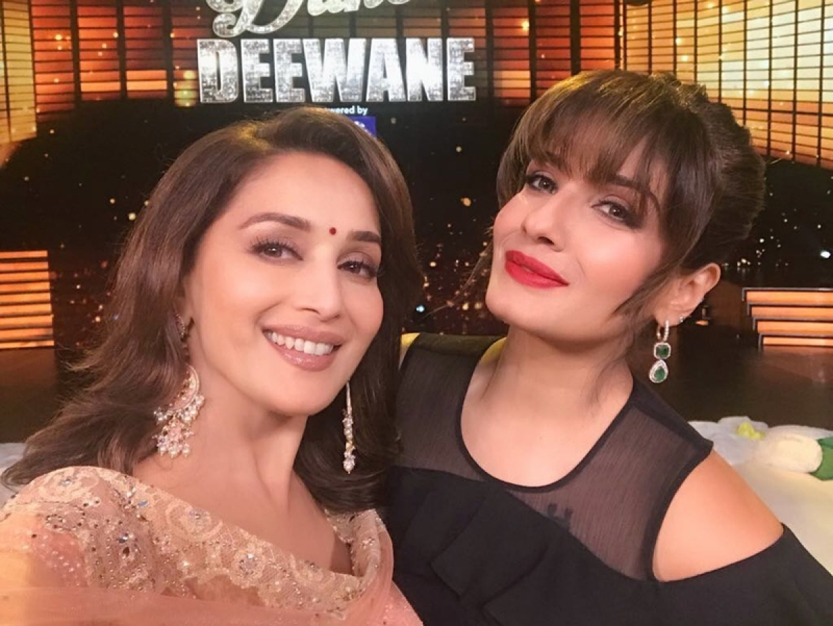 'Dhak Dhak' girl Madhuri Dixit hails Raveena Tandon's 'Tip Tip Barsa Paani'; watch video
