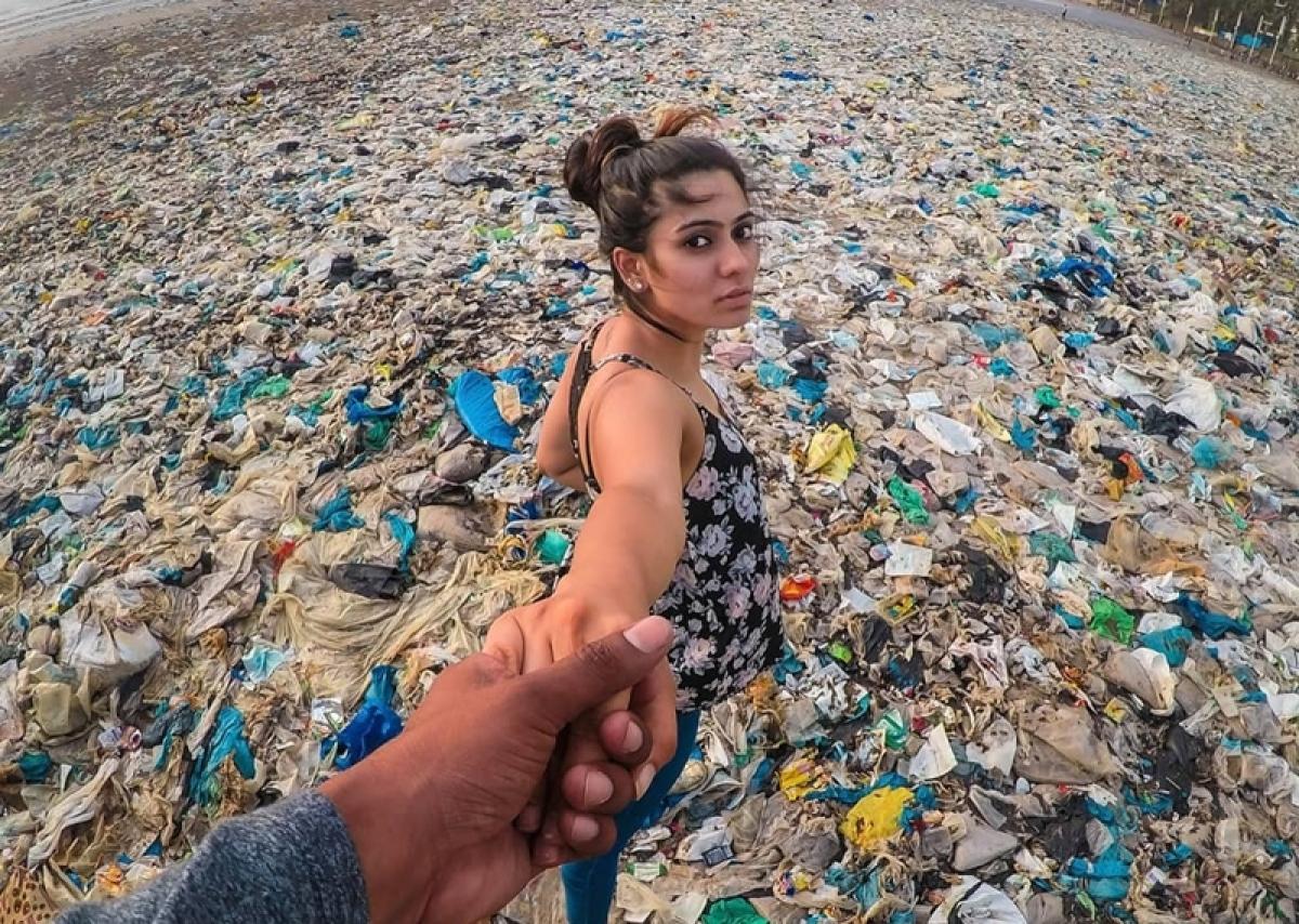 Disturbing photo of model Aishwarya Sharma shows 'Dirty picture' of Mumbai's plastic consumption; See pic