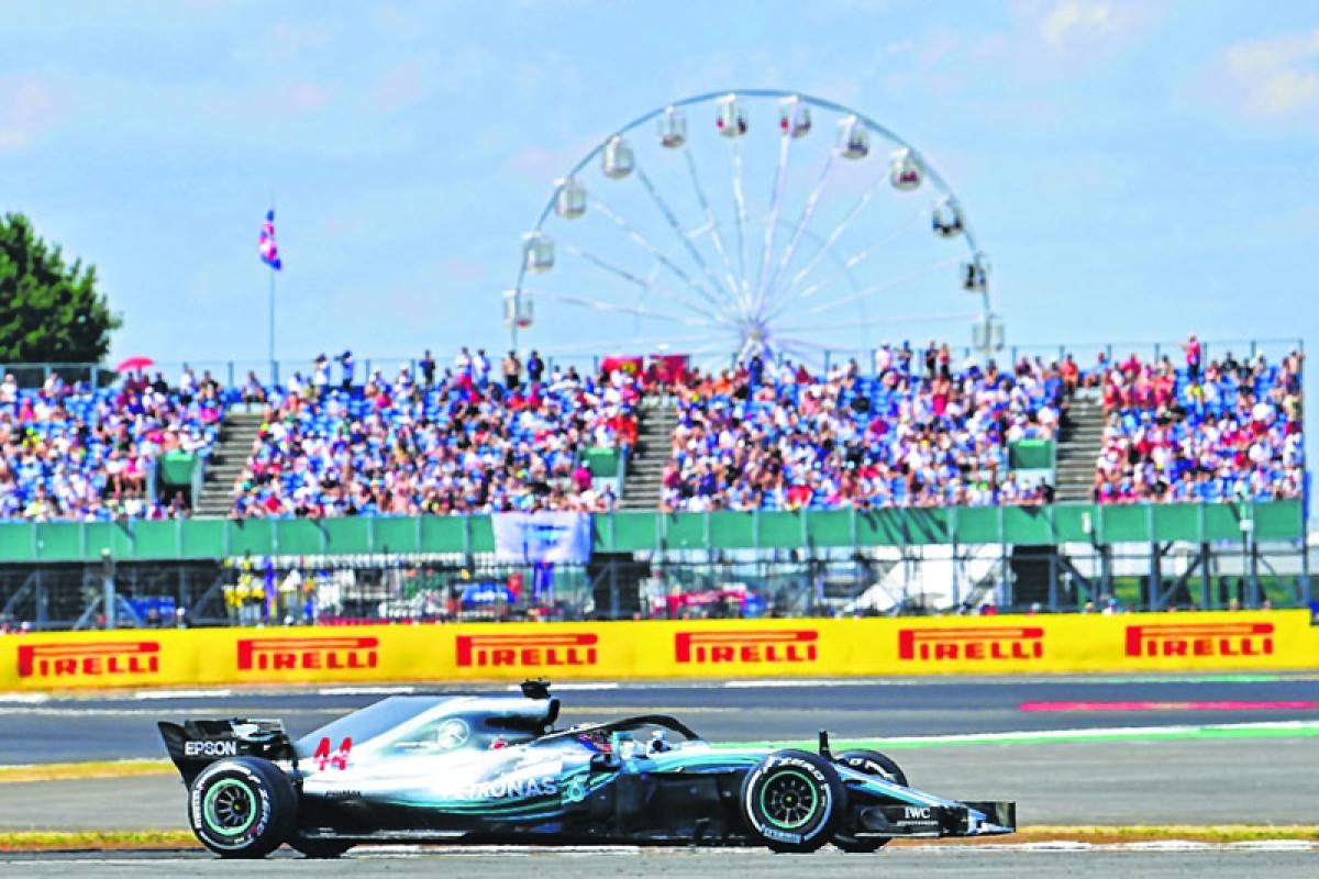 Hamilton speedy last lap grabs pole at British GP