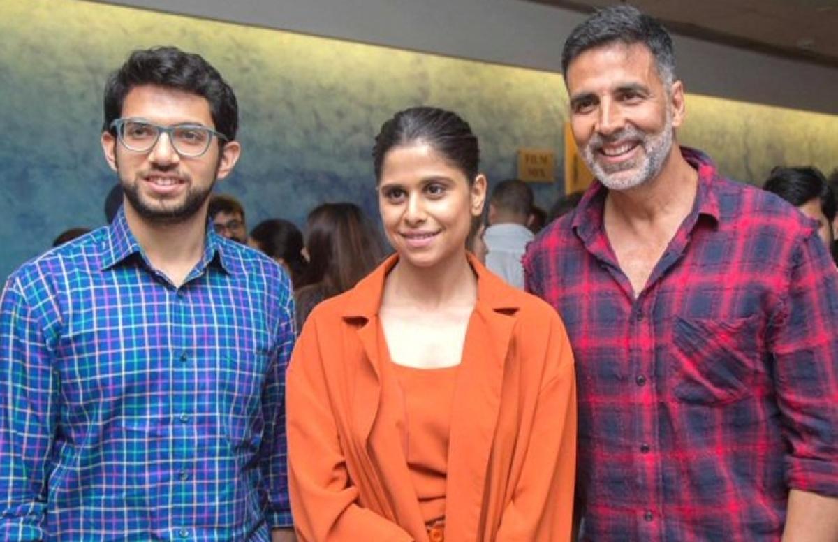 Chumbak screening: Akshay Kumar trikes a pose with Aditya Thackeray, Sachin Khedekar and Sai Tamhankar