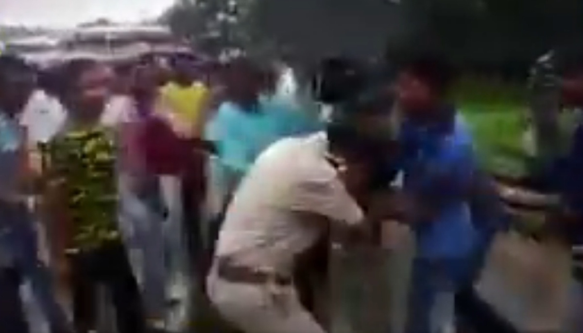 BJP workers thrash civic policemen near PM Modi's rally venue at Bengal's Midnapore