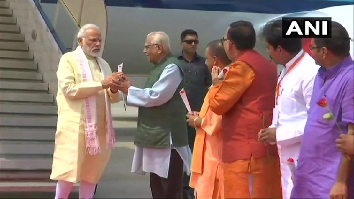 News Alerts! PM Narendra Modi arrives in Varanasi to inaugurate various projects