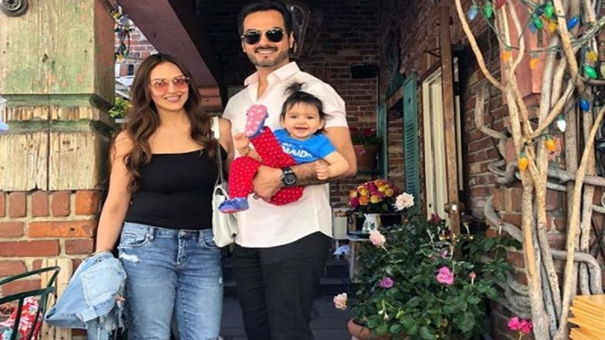 Cuteness alert! Esha Deol shares family photo with daughter Radhya, have a look