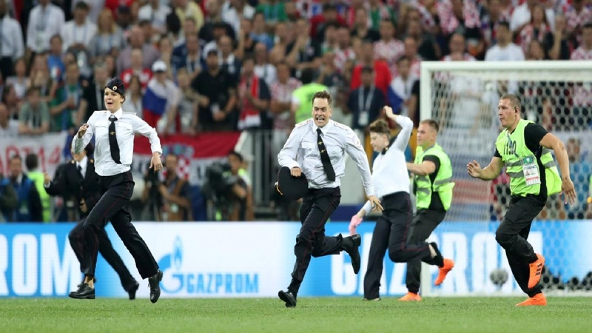 FIFA World Cup 2018: Russia jails Pussy Riot members for pitch invasion during final match