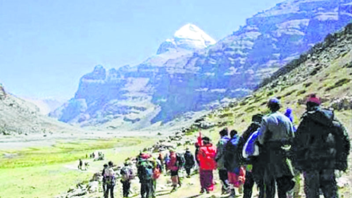 Over 1,200 stranded Mansarovar pilgrims evacuated from Nepal