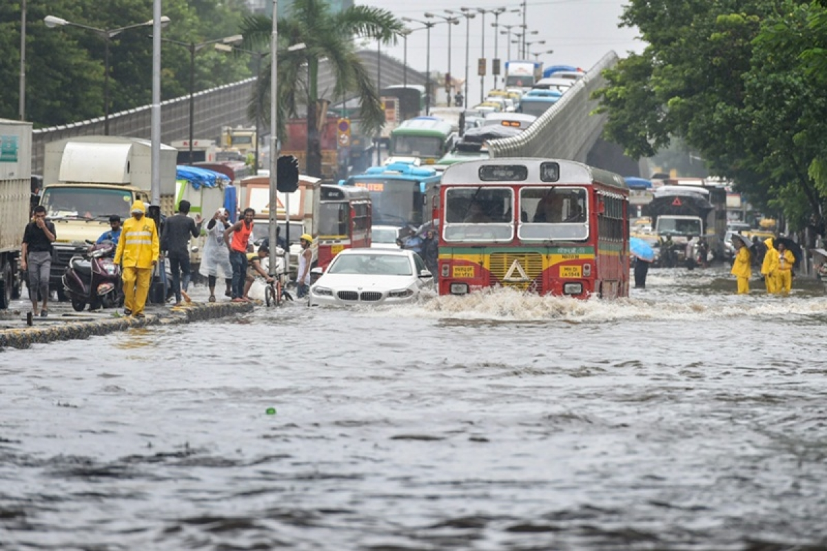 Mumbai monsoon brings maximum city to its knees; 5 incidents which broke spirit of Mumbai