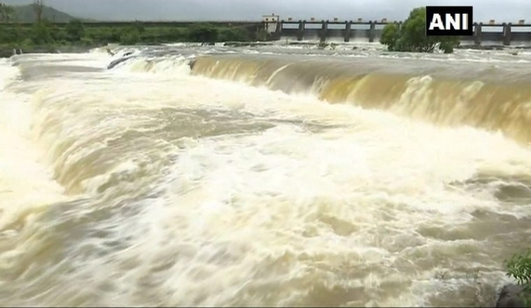 News Alert! Pune's Khadakwasla dam overflows following heavy rains, releases around 28000 cusecs of water in 2 days