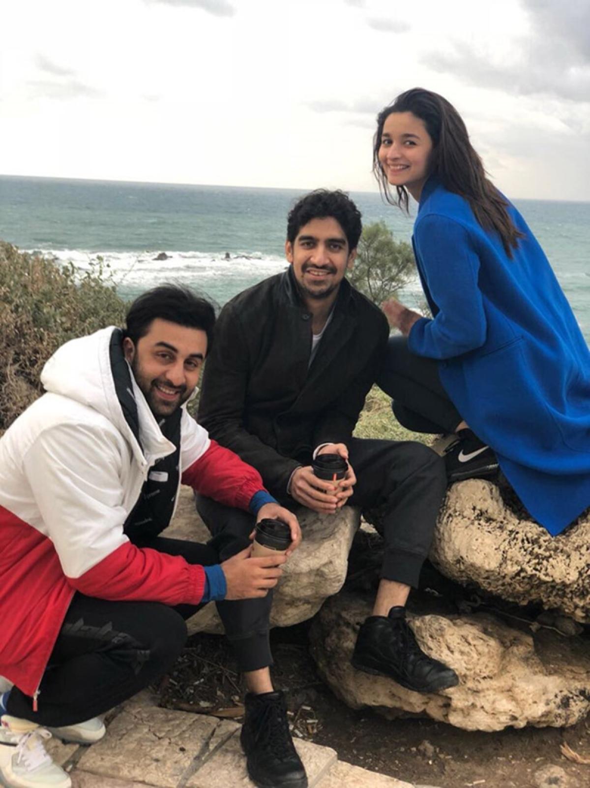 Ranbir Kapoor, Alia Bhatt & Brahmastra team leave for Bulgaria