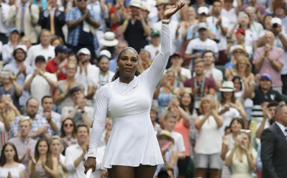 Wimbledon: Simona Halep stands between Serena and Court landmark
