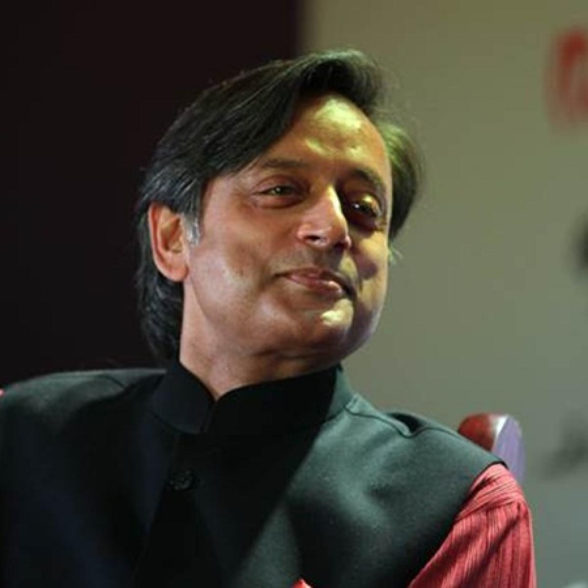 Shashi Tharoor accepts Narendra Modi's language challenge