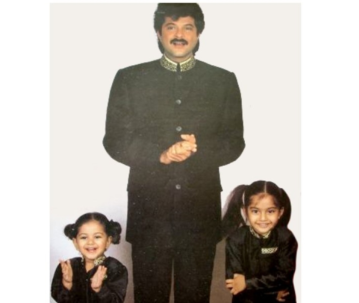 Throwback Thursday: Sonam Kapoor shyly posing with daddy Anil and sister Rhea will make your day