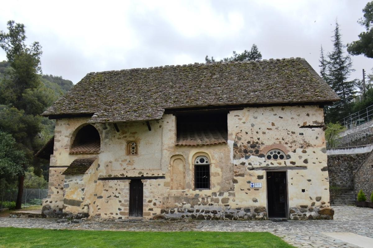 Agios Nikolaos tis Stegis or<br />St Nicholas of the Roof