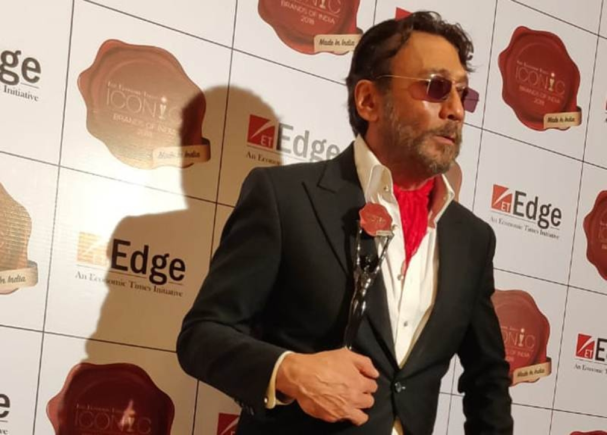 Jackie Shroff gets an award for fashion icon of the year