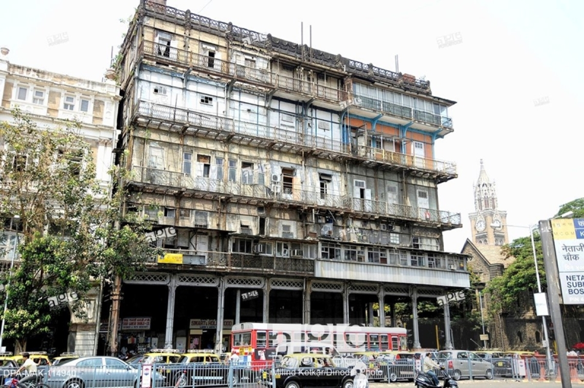 Mumbai: IIT asked to conduct structural audit of Esplanade Mansion